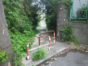 荒井浜脇 入り口